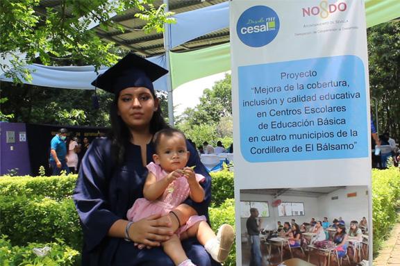 La Educación no tiene edad: 71 jóvenes y adultos graduados en educación básica