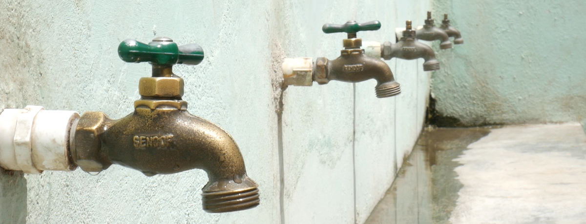 Día mundial del agua_grifos