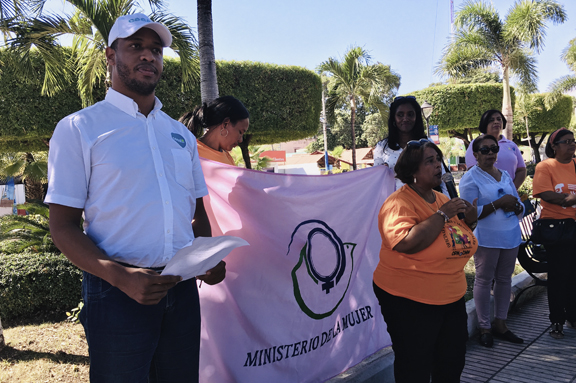 Actividad en favor de la No Violencia de la Mujer