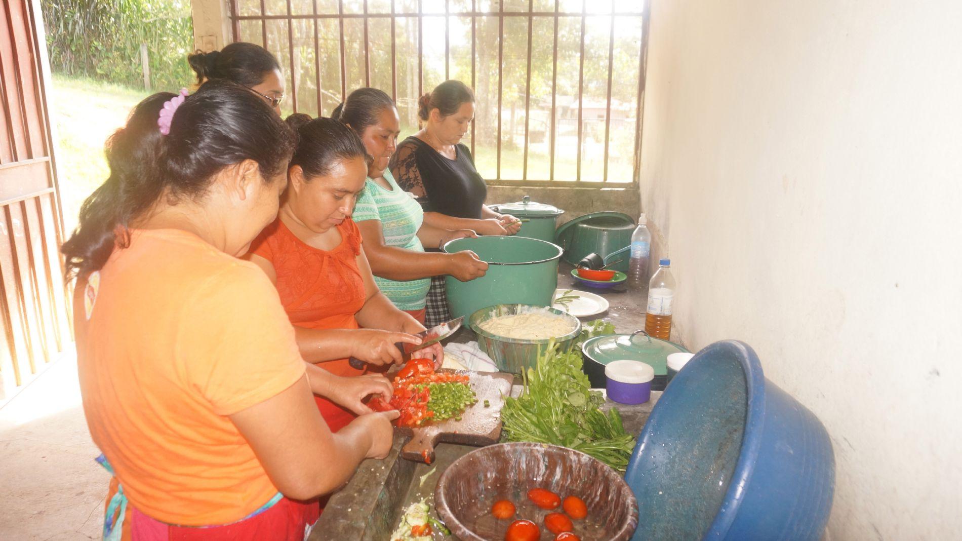 mujeres cocinando Honduras
