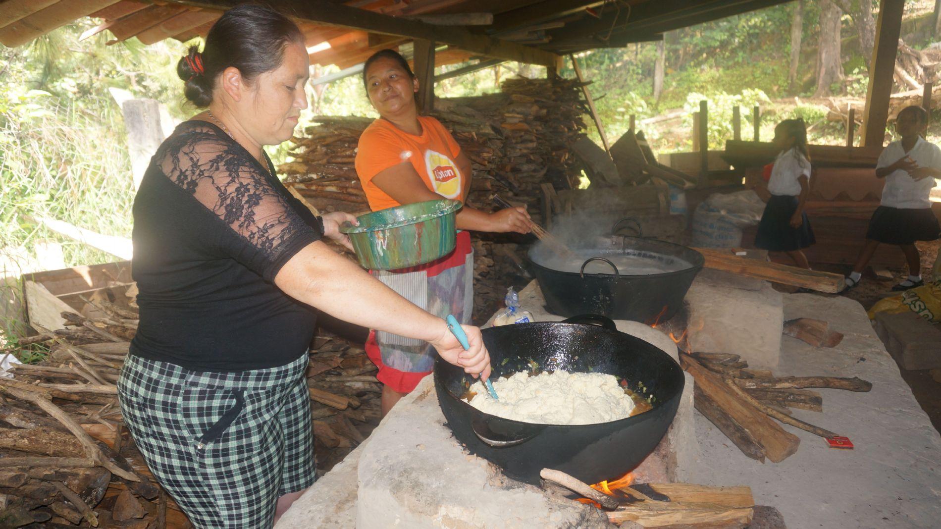 mujeres cocinando Honduras_2