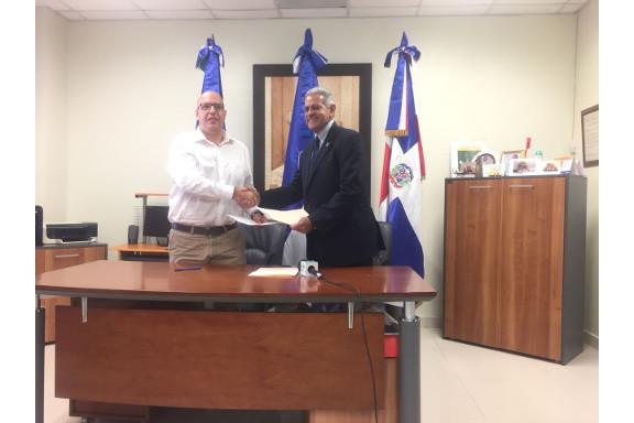 Firma de acuerdo CESAL UASD