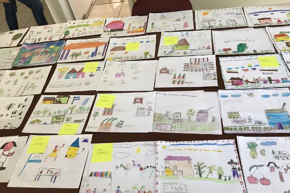 Foto dibujos del I Concurso Infantil Honduras