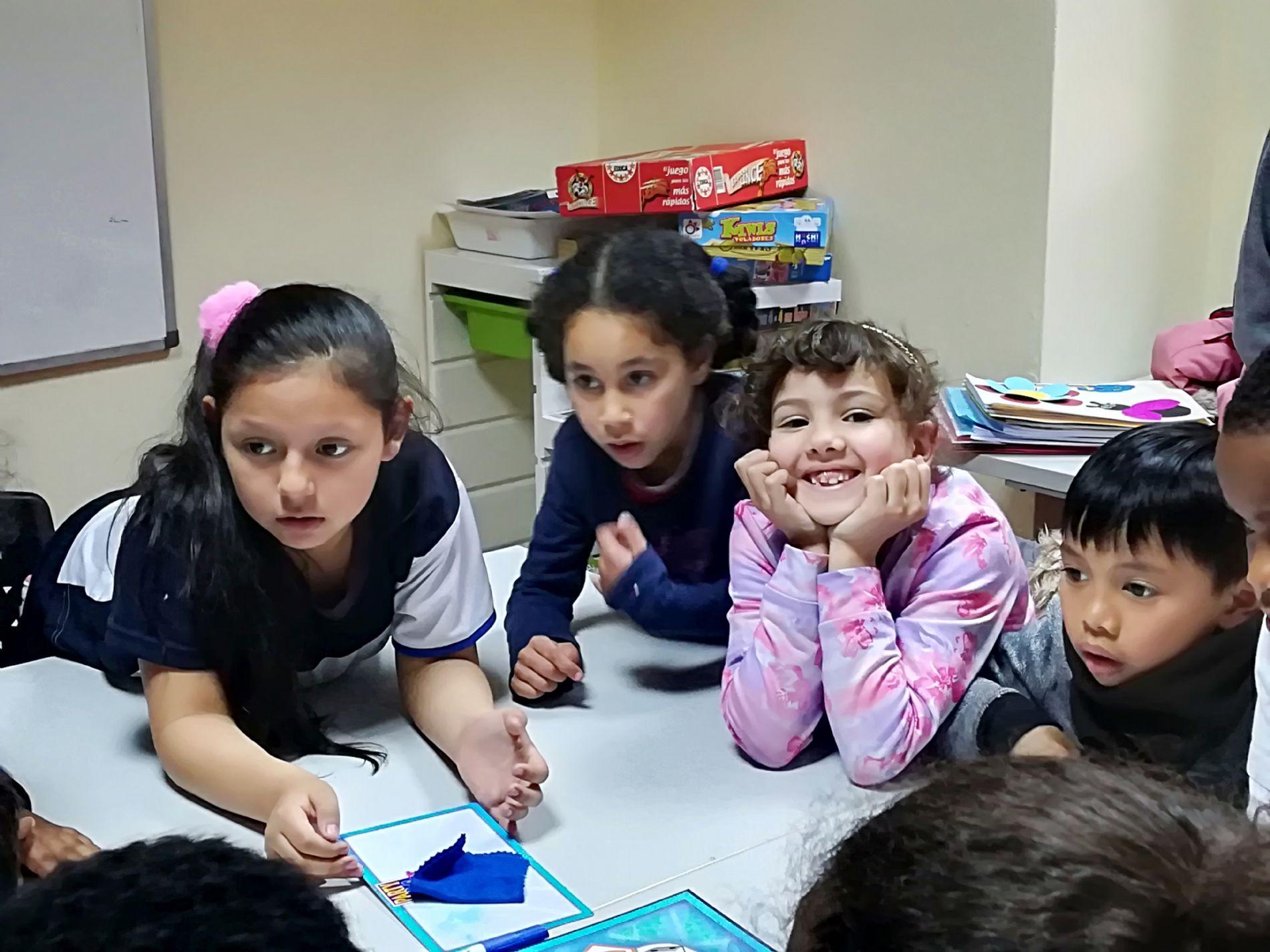 Recorriendo un camino juntos: clases de apoyo escolar en el CEPI de Tetuán