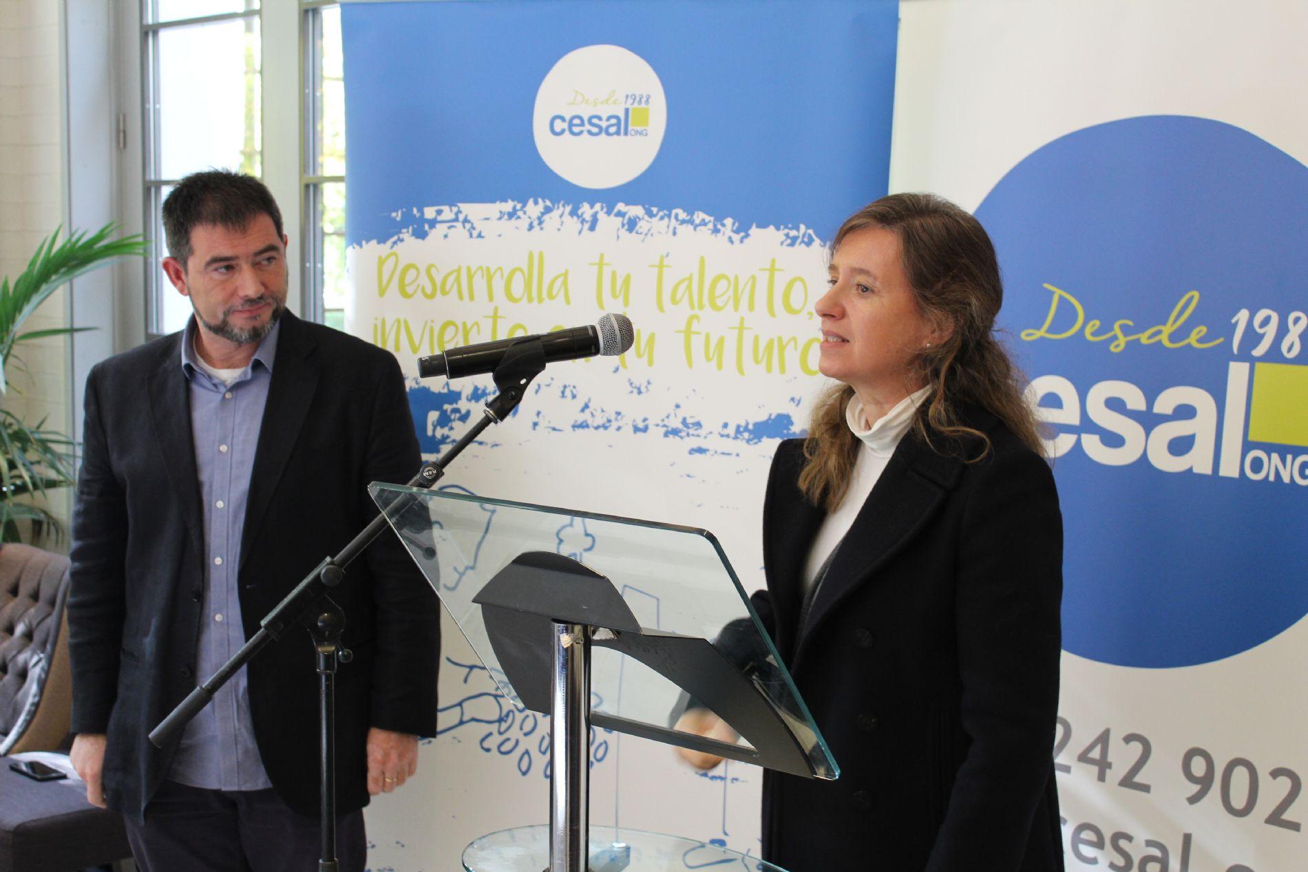 Raúl Jiménez (Director área formación) y Aurora de Castro (abogada)