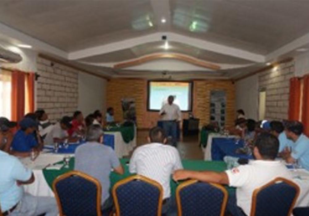 Se capacitación a 13 Productores Asesores Voluntarios pertenecientes a las Escuelas de Campo establecidas por la Asociación CESAL