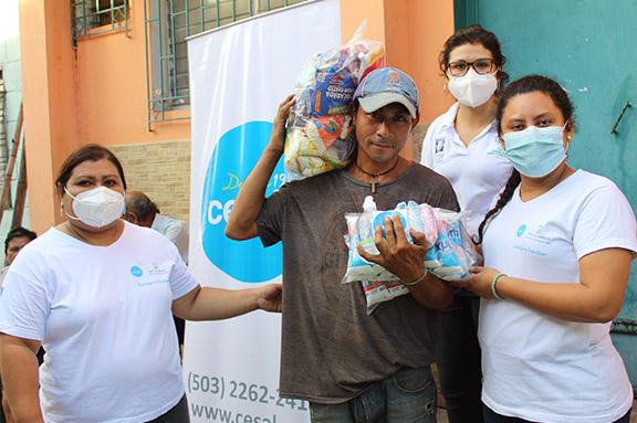 Granos de esperanza en San Salvador