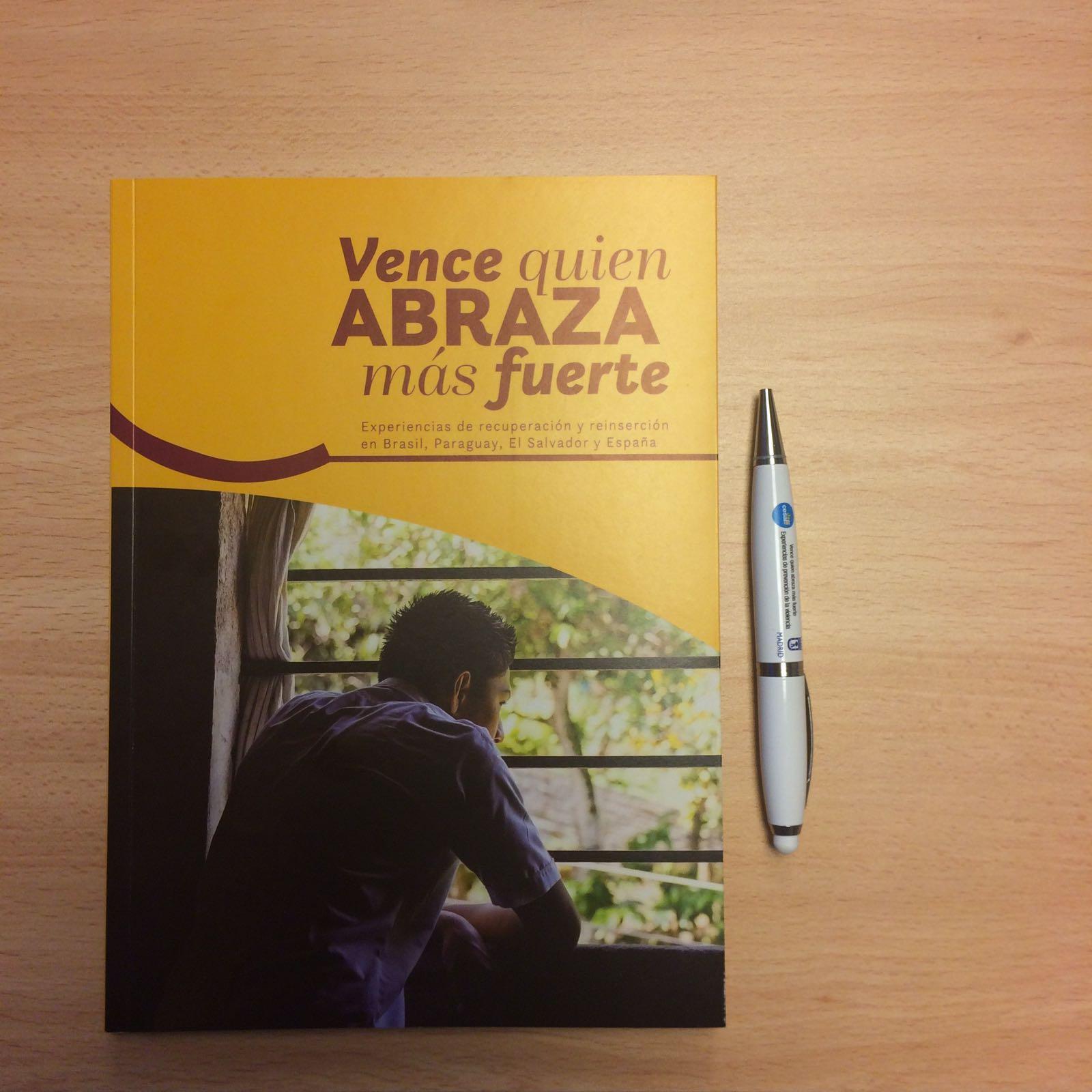 Libro Vence quien abraza más fuerte sobre la prevención de la violencia