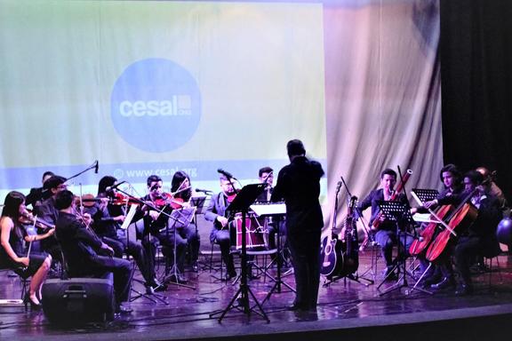 Foto de Orquesta Sinfónica durante concierto navideño