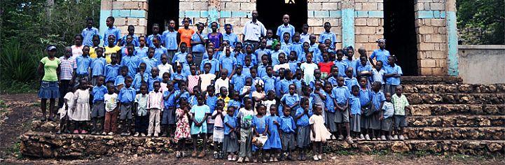Alumnos de la futura `Escuela de la Esperanza`