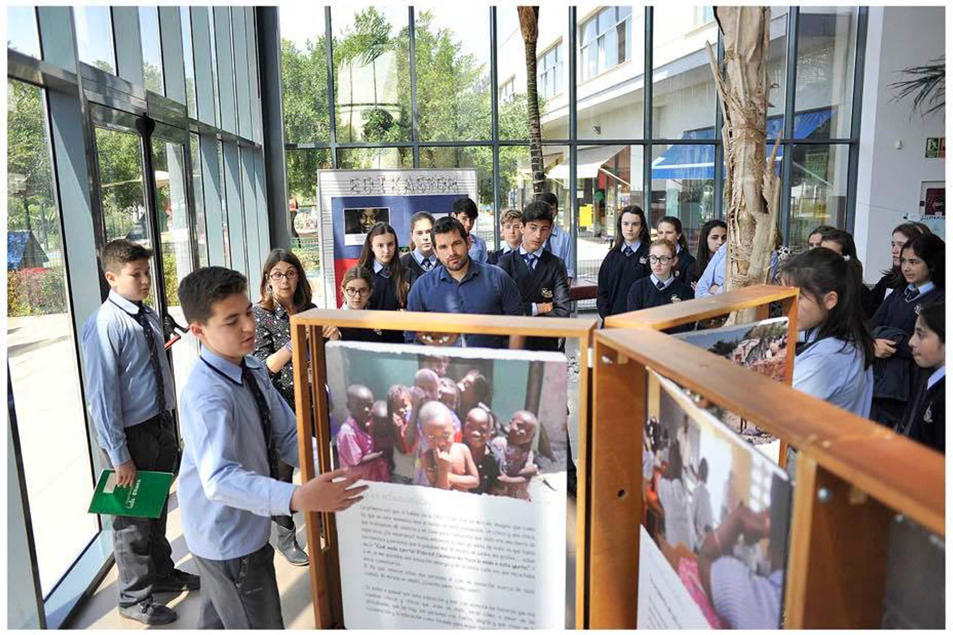 Exposición Itinerante Esto es Educación