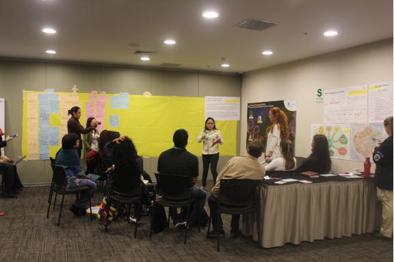 Imágenes de nuestro trabajo el día del Seminario