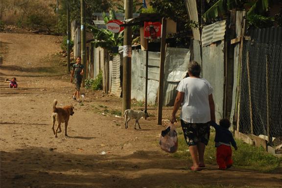 Empresas solidarias rsc venezuela infancia refugiados migrantes CESAL dona colabora